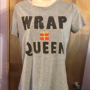 "Zoe & Liv grey tee "" Wrap Queen"""